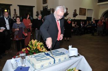 nakrojení dortu se ujal sbormistr J. Brych