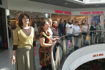 vystoupení v obchodním centru Forum v centru Montreux