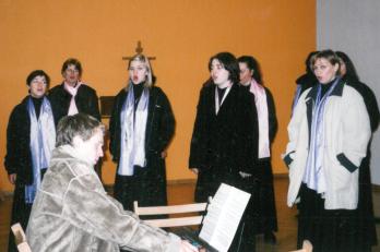 Varšava - rozezpívání ve františkánském klášteře