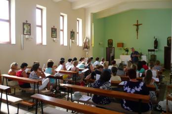 zkouška v kostele